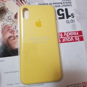 Accessories - Yellow iPhone xs maxx silicon case